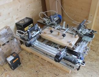 Halb- Automatische Rähmchentackermaschine  Bild