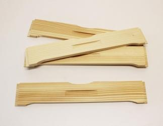Flugloch-Schieber aus Holz; EM Kranz10 / 464x483 Bild