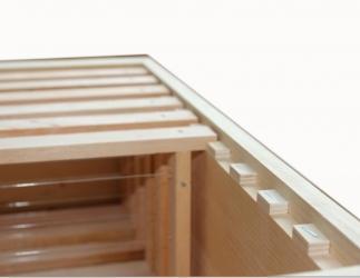 Zusatz; Montage Holzrechen im Honigraum Bild